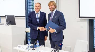 Ministr Adam Vojtěch a ředitel FN Olomouc podepsali smlouvu o zřízení kompetenčního centra pro elektronické zdravotnictví