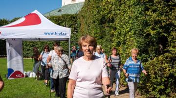 Na kardio cvičení v Květné zahradě se vydalo bezmála padesát zájemců
