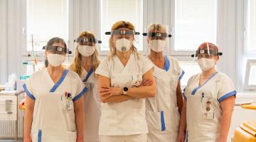 Onkologická klinika FN Olomouc dostala darem 30 štítů. Ochrání pacienty i personál