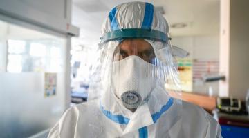 Fakultní nemocnice Olomouc vyplatila zdravotníkům na odměnách v souvislosti s epidemií COVID-19 pět milionů korun