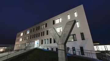 Novostavba II. interní kliniky je ve finále ekologické soutěže E.ON Energy Globe. O vítězích rozhodne veřejnost