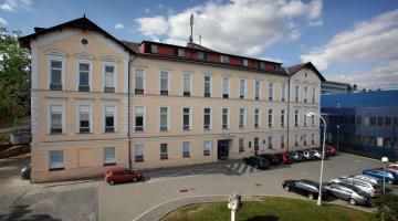 Dalších pět pokojů Oddělení šestinedělí FN Olomouc se dočká nového vybavení