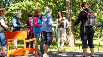 Na Srdeční procházkovou trasu ve Smetanových sadech se vydaly desítky zájemců