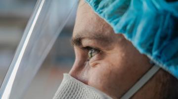 FN Olomouc hledá dobrovolníky z řad zdravotníků. Pomůžete?