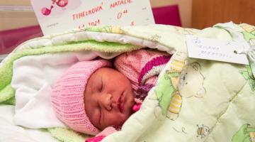První miminko nového roku přišlo letos v porodnici Fakultní nemocnice Olomouc na svět už dvanáct minut po půlnoci