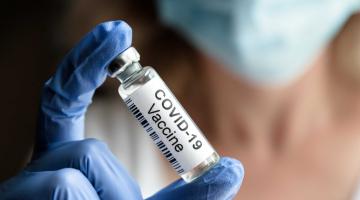 Ve FN Olomouc začíná očkování seniorů proti COVID-19