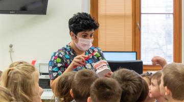 Zubní víla z Kliniky zubního lékařství FN Olomouc hostila dva týdny děti z mateřských škol