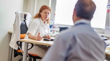 Předcházet nádorovým onemocněním pomáhá ve Fakultní nemocnici Olomouc Ambulance preventivní onkologie